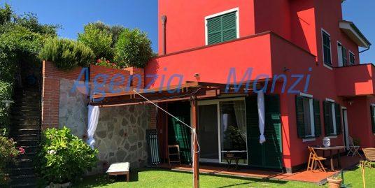 V8 -VILLA UNIFAMILIARE CON AMPIO GIARDINO E SPLENDIDA VISTA località Cassisi